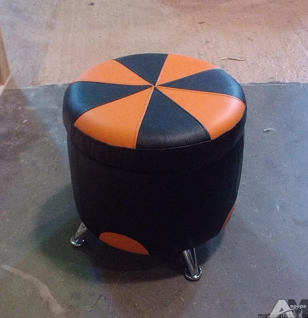 оранжевый пуфик