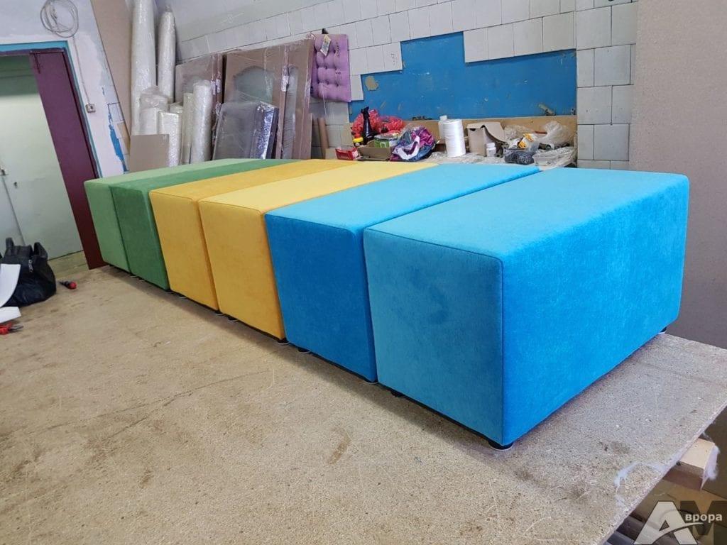Изготовление разноцветных пуфиков фото 3