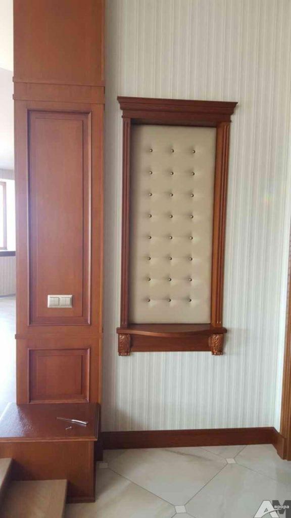 Стеновая панель с пиковкой в интерьере