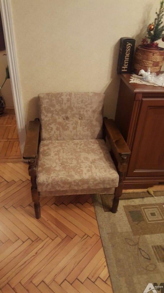Недорогая обивка кресла фото 2