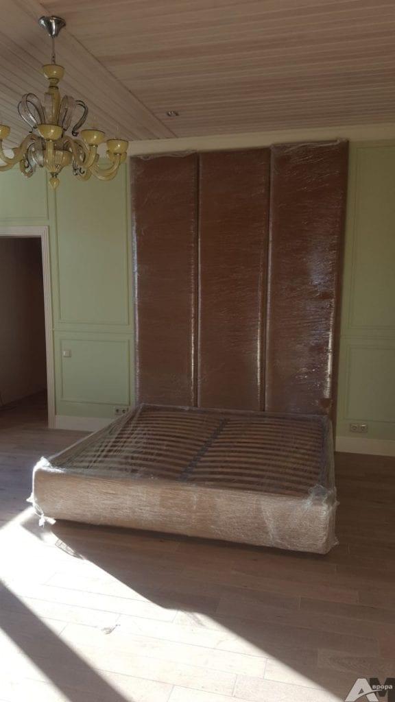 кровать с мягким изголовьем фото2