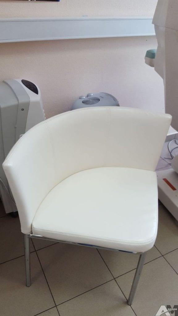 обивка стульев кожей фото3