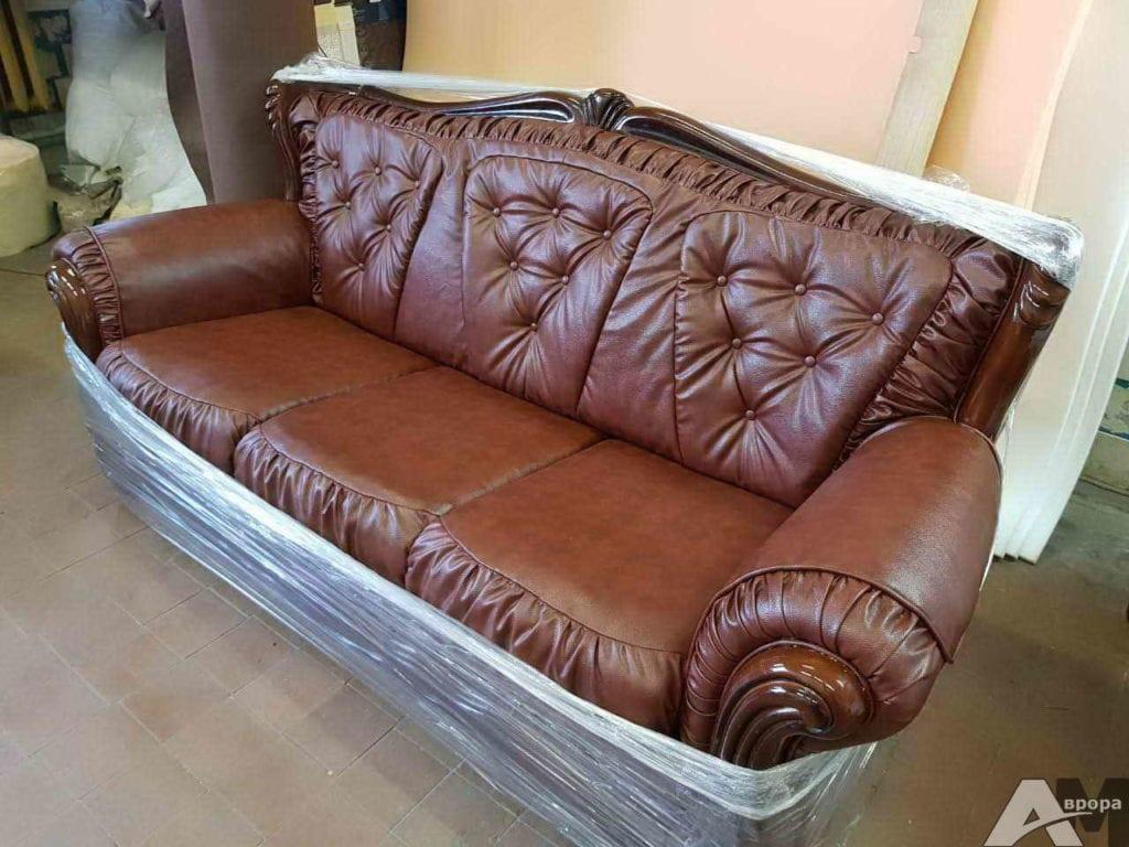 Перетяжка дивана из кожи
