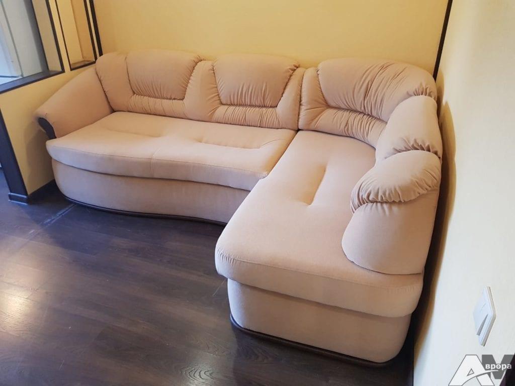 Перетяжка углового дивана фото 55