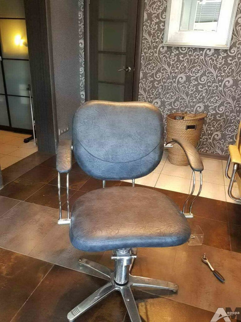 Перетяжка офисного кресла фото 38