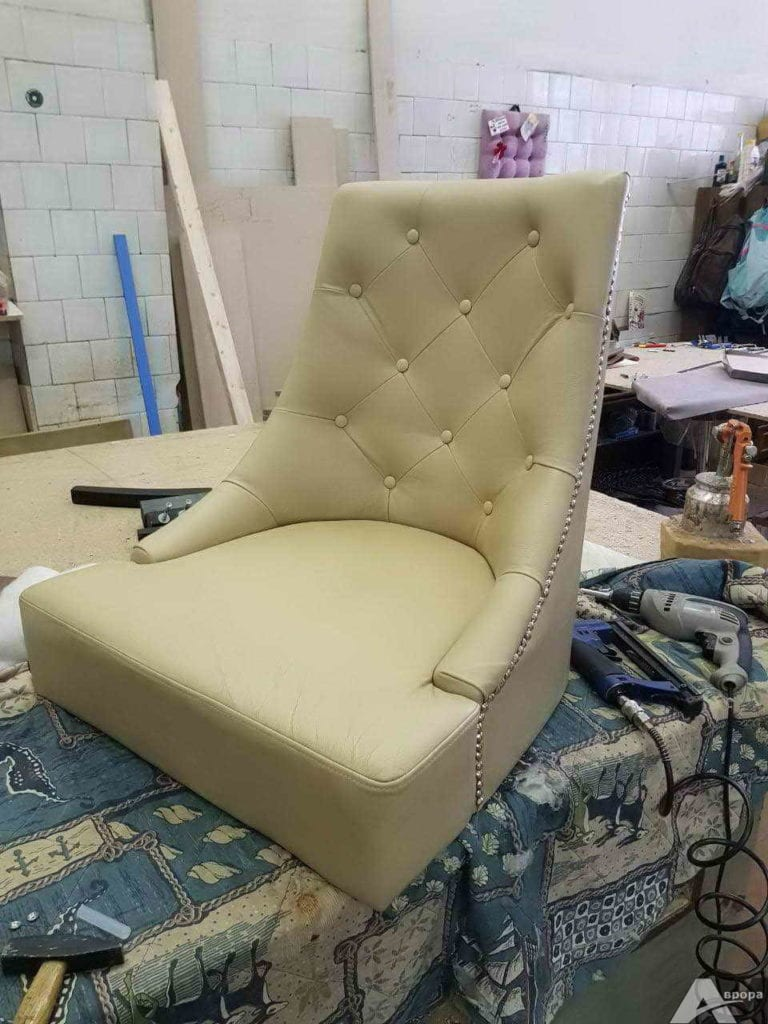 Перетяжка кресла в кожзам фото 13