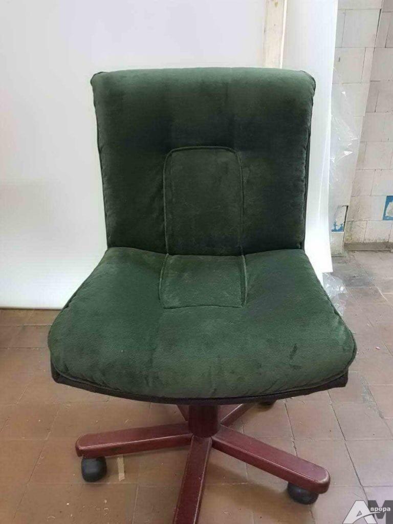 Перетяжка офисного кресла 23